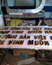 thi công làm bảng hiệu quảng cáo inox tại đà nẵng đt 0974480518