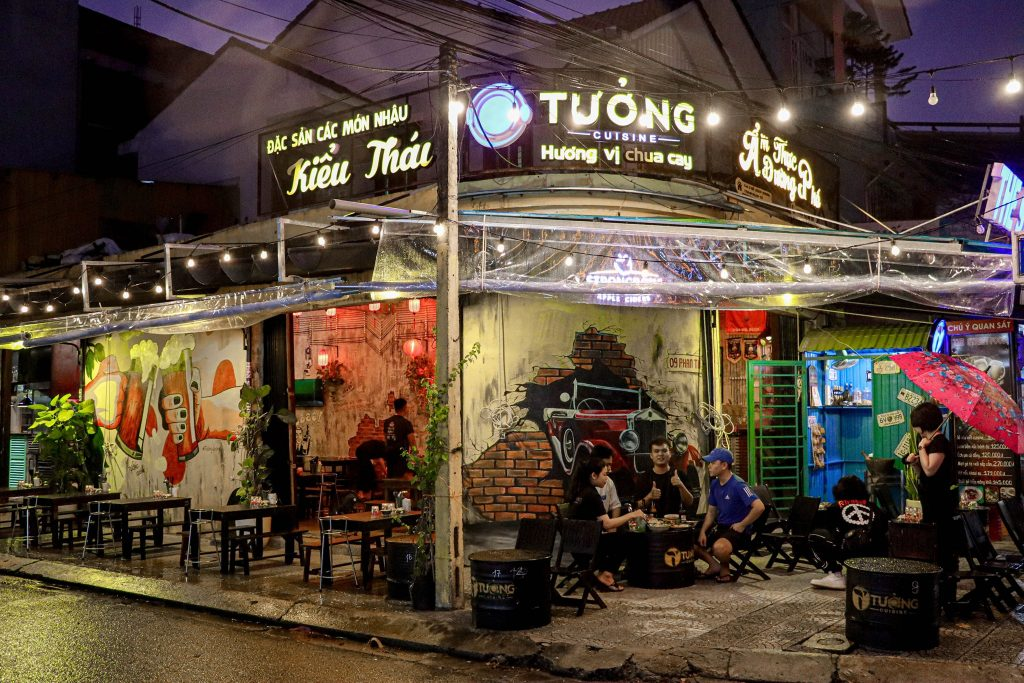 Làm bảng hiệu chữ nổi tại Đà Nẵng LH: 0974480518