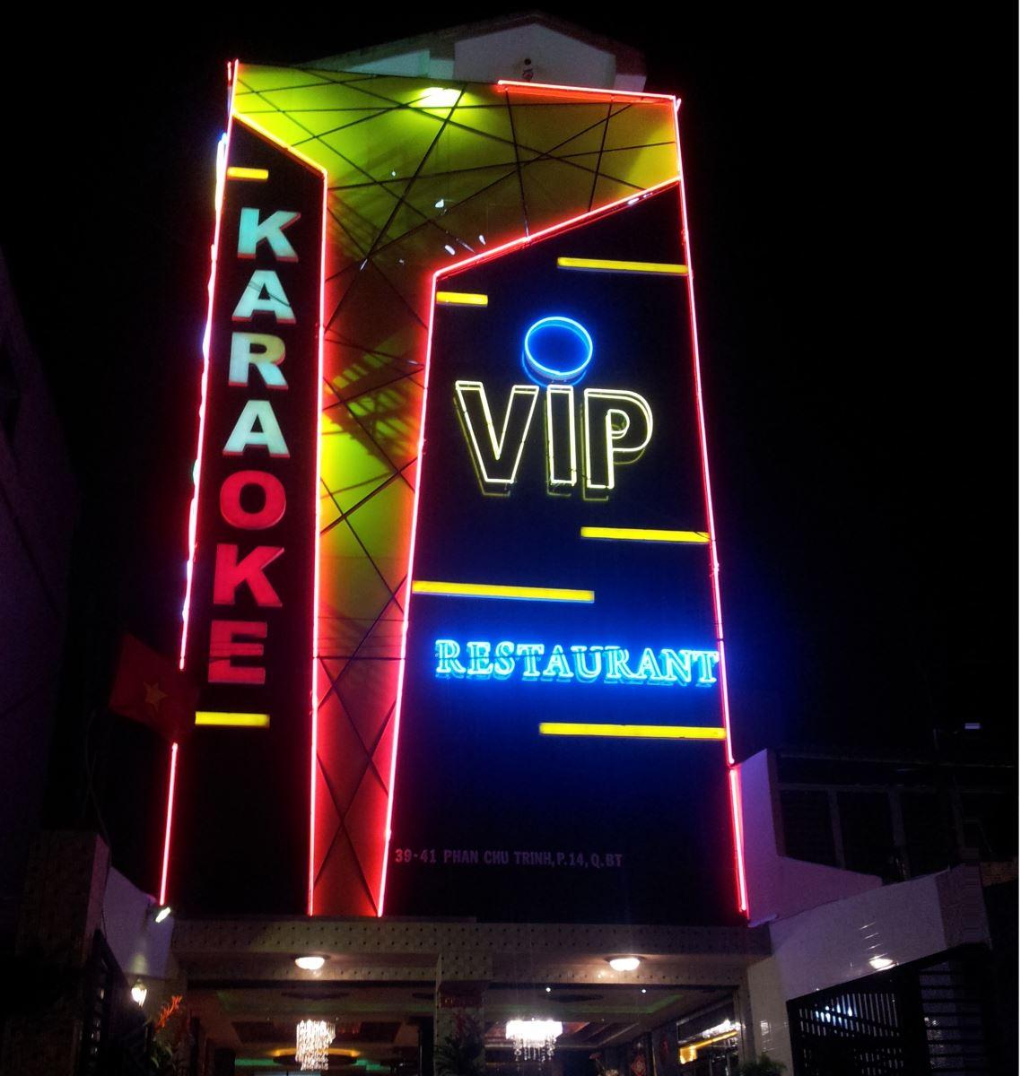 Làm bảng hiệu quán karaoke đẹp tại Đà Nẵng LH: 0974480518